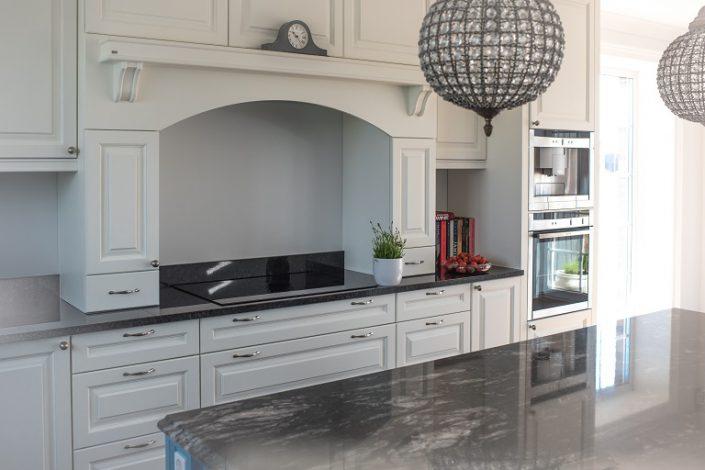 Klassisk kjøkenmøbler til bolig. LHM Interior