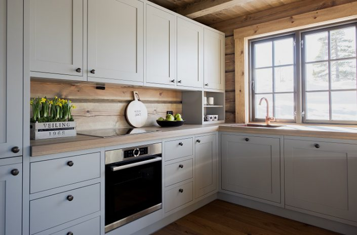 Hyttekjøkken. Møbler til hytte. LHM Interior