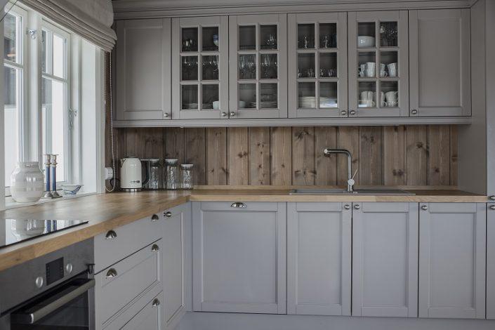 Hvit kjøkken. LHM Interior