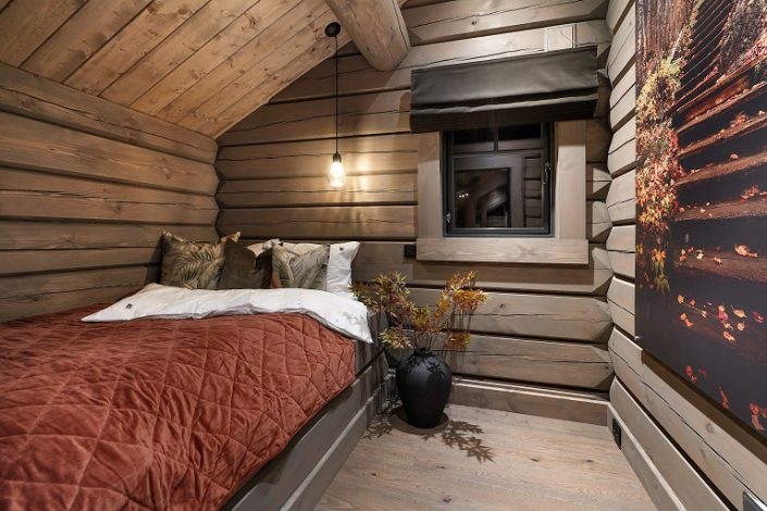 SINGLE BED. LHM4. LHM Interior