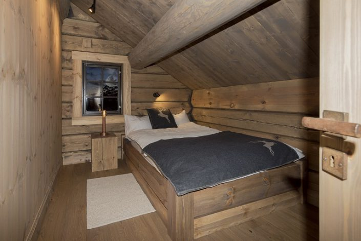 Bed. Cabin furniture. LHM Interior
