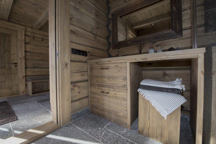 Bad. Hyttemøbler av høy kvalitet