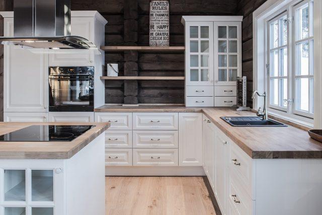Klassiske kjøkkenmøbler til hytte
